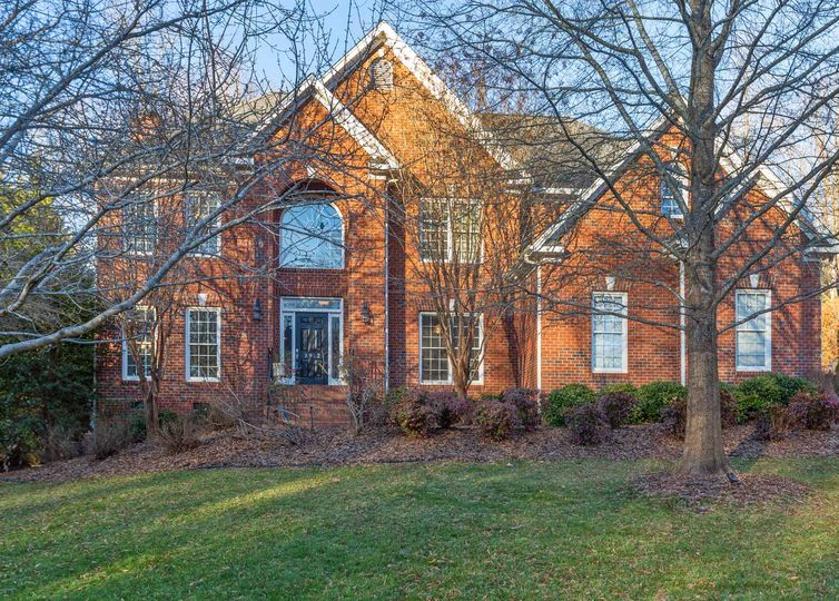 2912 Swan Lake Drive High Point, NC 27262