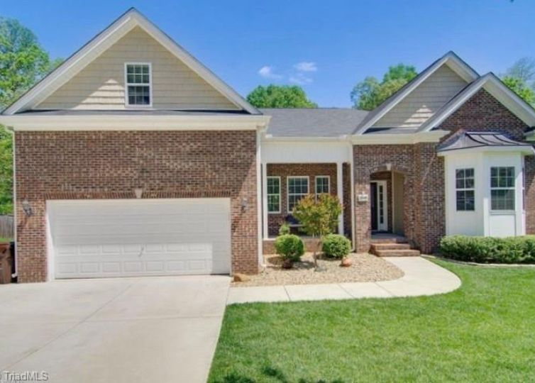 2698 Splitbrooke Drive High Point, NC 27265