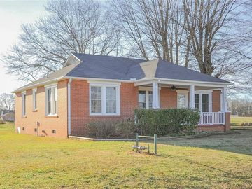 198 Cross Roads Drive Seneca, SC 29678 - Image 1