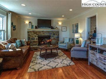 207 Grovers Knob Blowing Rock, NC 28605 - Image 1