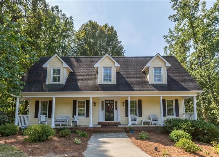 8208 Rivermont Drive Clemmons, NC 27012