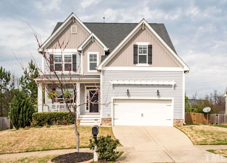 208 Acorn Falls Court Holly Springs, NC 27540