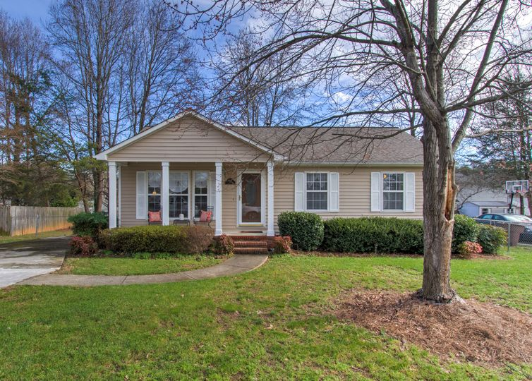3822 Clay Street Greensboro, NC 27405