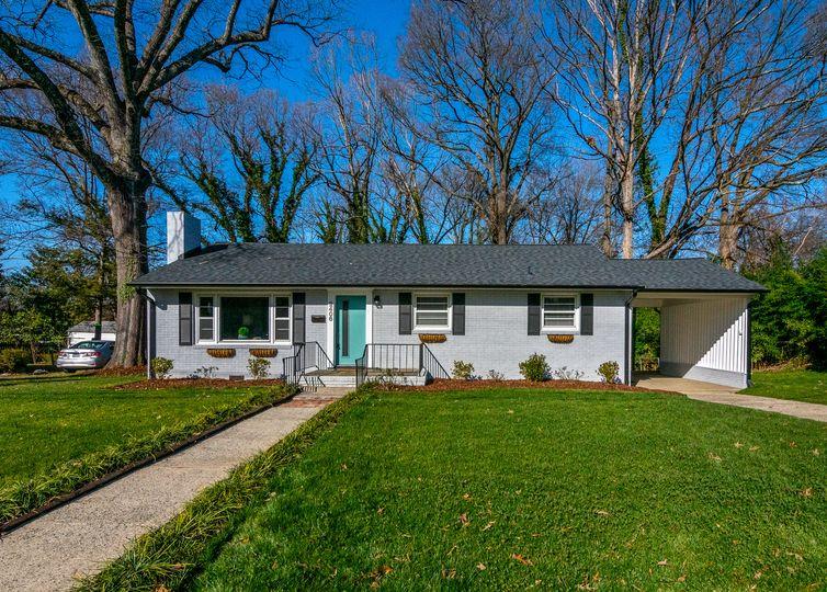 2406 Wright Avenue Greensboro, NC 27403
