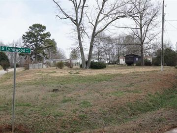 42 S. Lynnwood Drive Travelers Rest, SC 29690 - Image 1