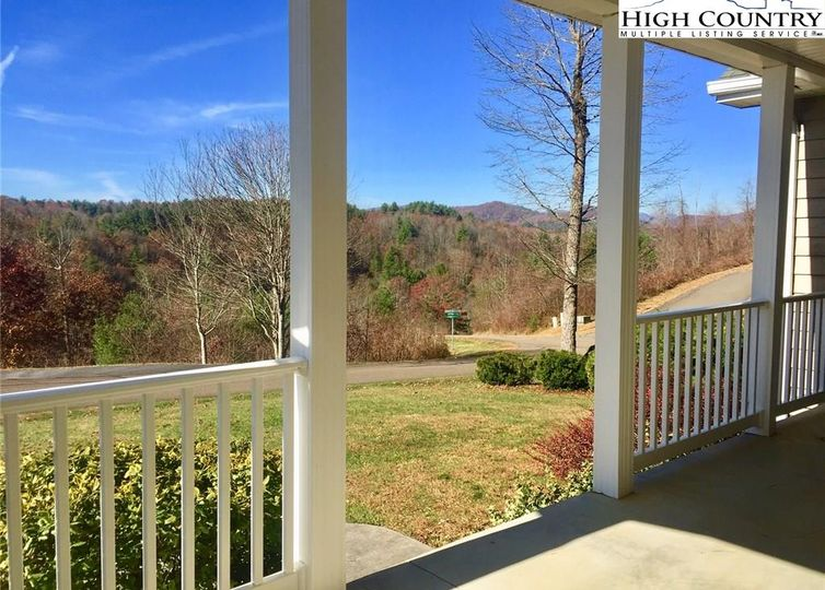 137 Timbersong Road photo #1