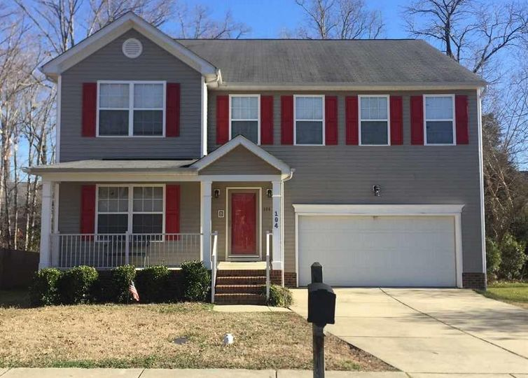 104 Holly Thorn Trace Holly Springs, NC 27540