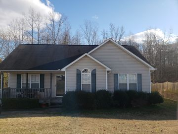923 Londonderry Drive High Point, NC 27265 - Image 1