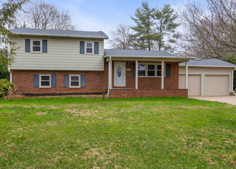 3504 Greenhill Drive High Point, NC 27265