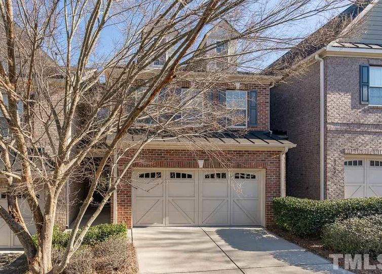 1114 Weston Green Loop Cary, NC 27513