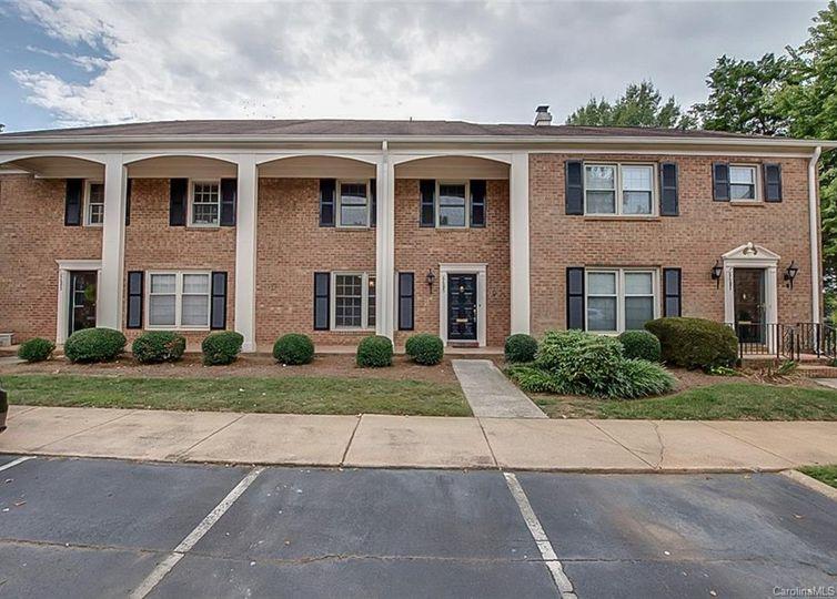 6685 Bunker Hill Circle Charlotte, NC 28210