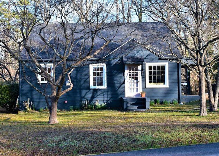 227 Tipperary Lane Winston Salem, NC 27104