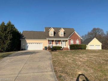 145 Heritage Manor Circle Lexington, NC 27295 - Image 1