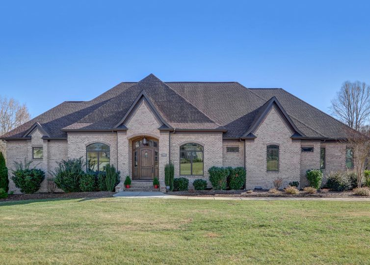 6635 Linville Ridge Drive Oak Ridge, NC 27310