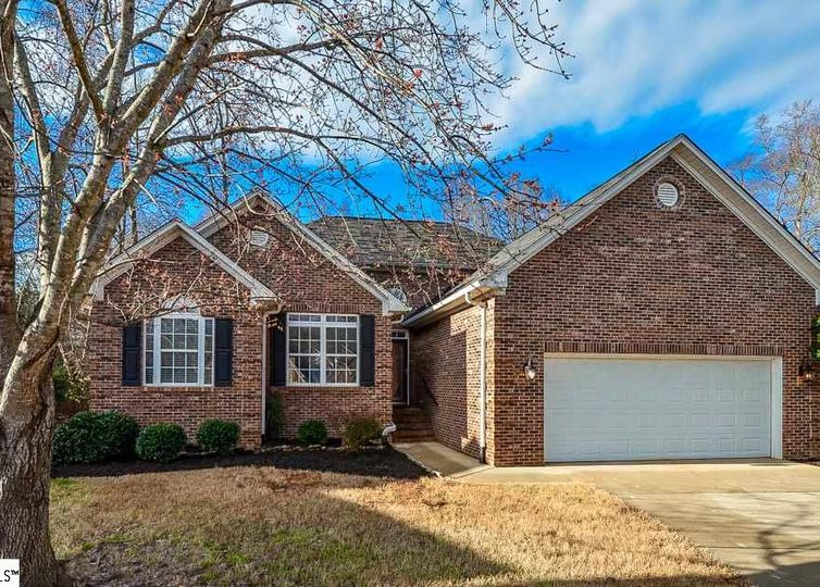 817 Willet Court Boiling Springs, SC 29316