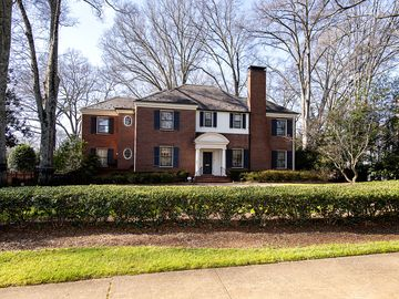 1634 Queens Road W Charlotte, NC 28207 - Image 1