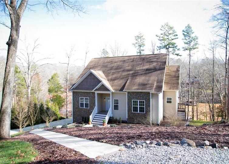 123 River Ridge Lane Statesville, NC 28677