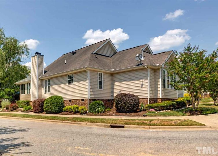 112 Waterpoint Road Holly Springs, NC 27540