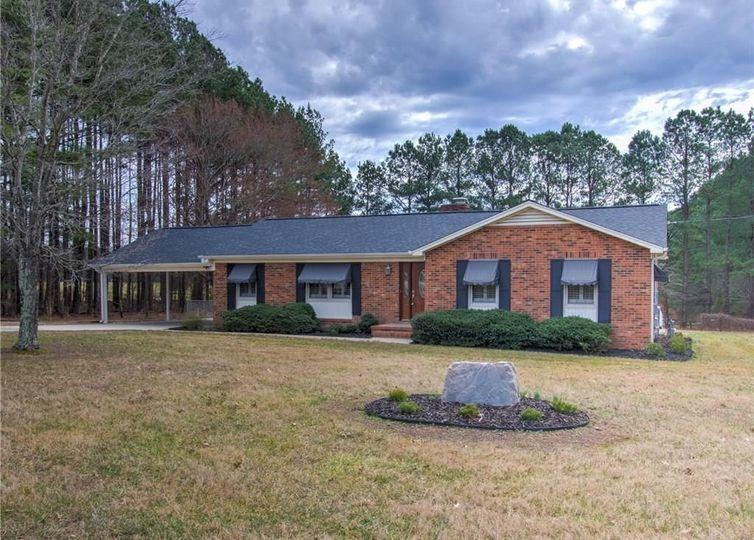 2912 Oak Ridge Road Oak Ridge, NC 27310