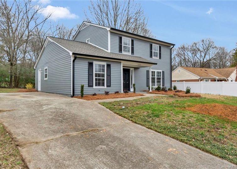 11213 Smoke Tree Lane Charlotte, NC 28226