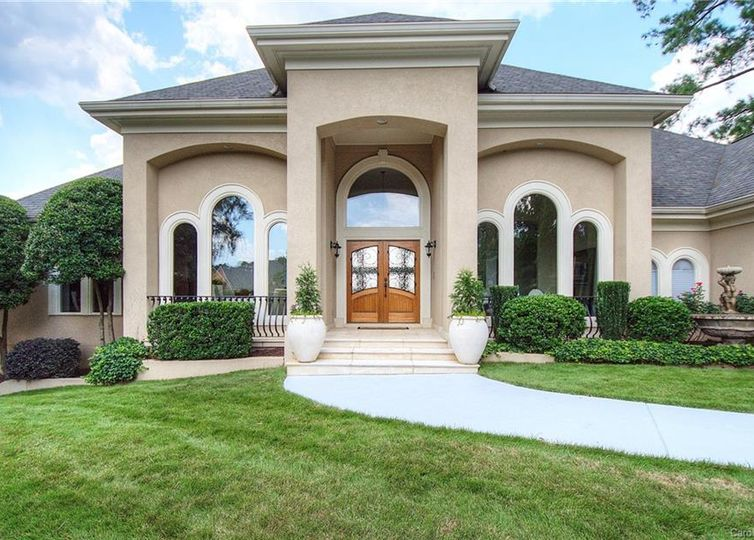 15904 Riverpointe Drive Charlotte, NC 28278