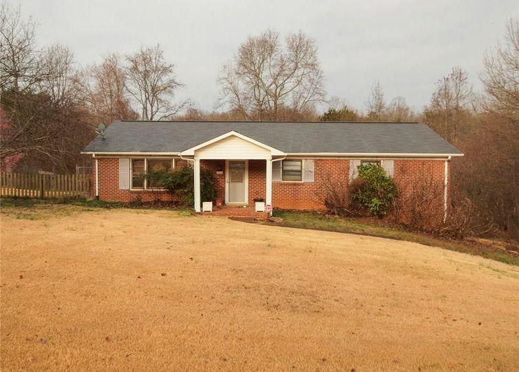 4914 Southwin Drive Winston Salem, NC 27104