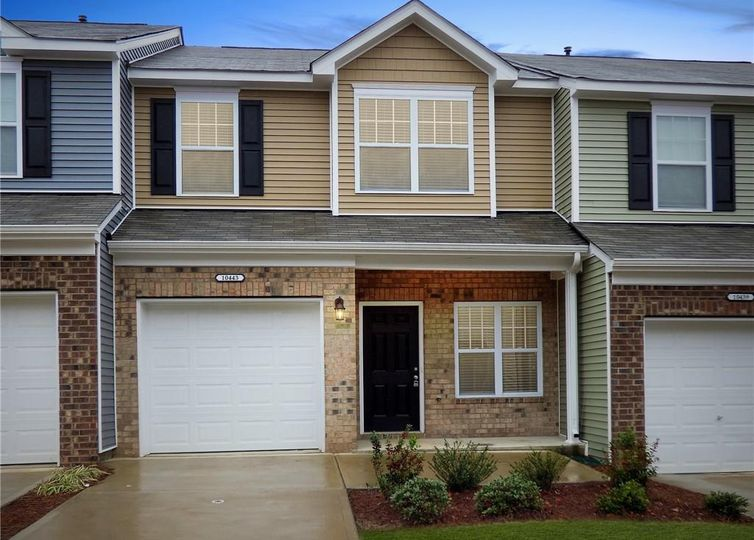 10443 Benfield Road Charlotte, NC 28269