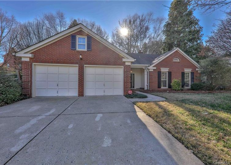 6201 Hickory Forest Drive Charlotte, NC 28277