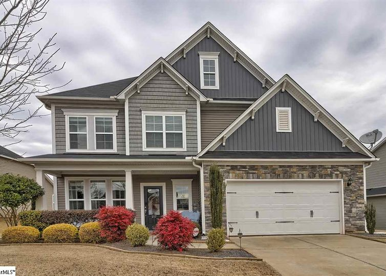 217 Rivers Edge Circle Simpsonville, SC 29680