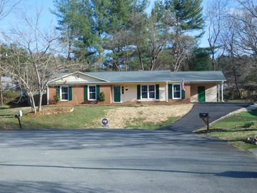126 Cascade Court King, NC 27021 - Image 1