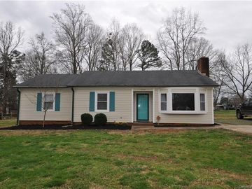 204 Dawn Drive Mount Holly, NC 28120 - Image 1
