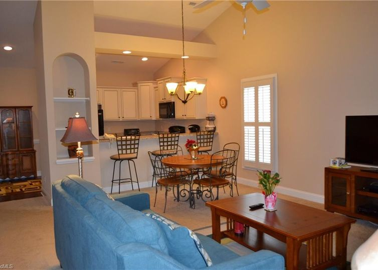 137 Turnberry Drive photo #1