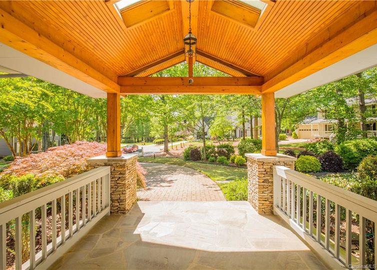 10 Catawba Ridge Court photo #1