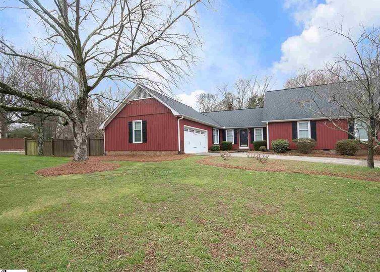 1214 Plantation Drive Simpsonville, SC 29681