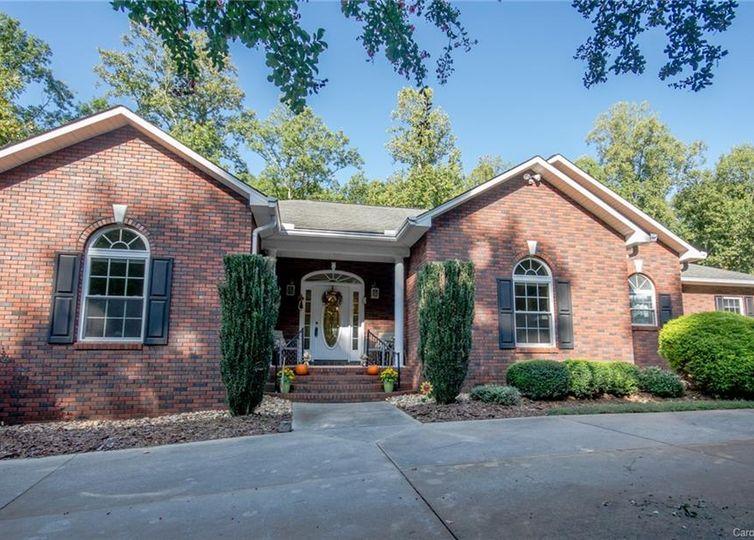 348 Gleneagles Road W Statesville, NC 28625