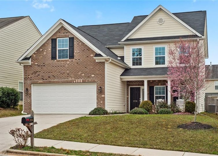 3724 Cottesmore Drive High Point, NC 27265