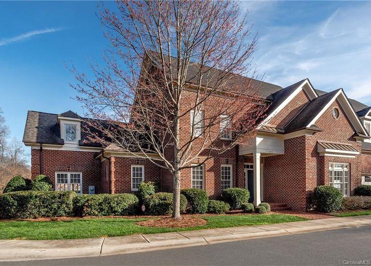 4921 Park Phillips Court Charlotte, NC 28210