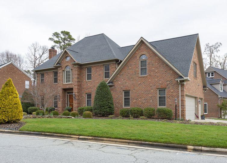 1625 Deercroft Court Greensboro, NC 27407