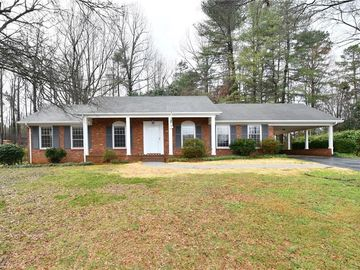 2800 Knob Hill Drive Clemmons, NC 27012 - Image 1