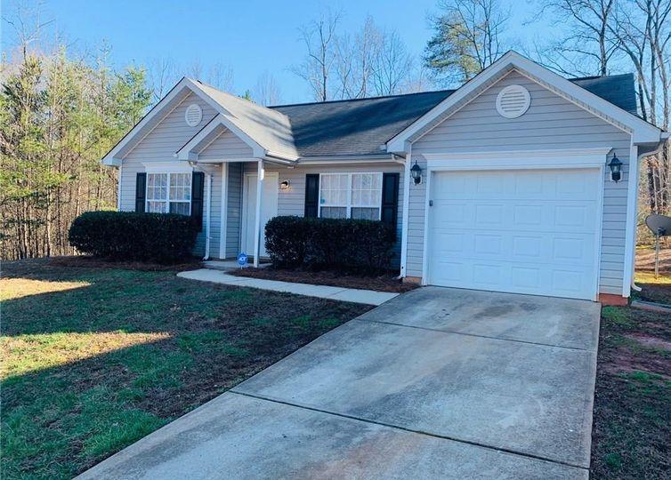 112 Kinnley Court Greensboro, NC 27455