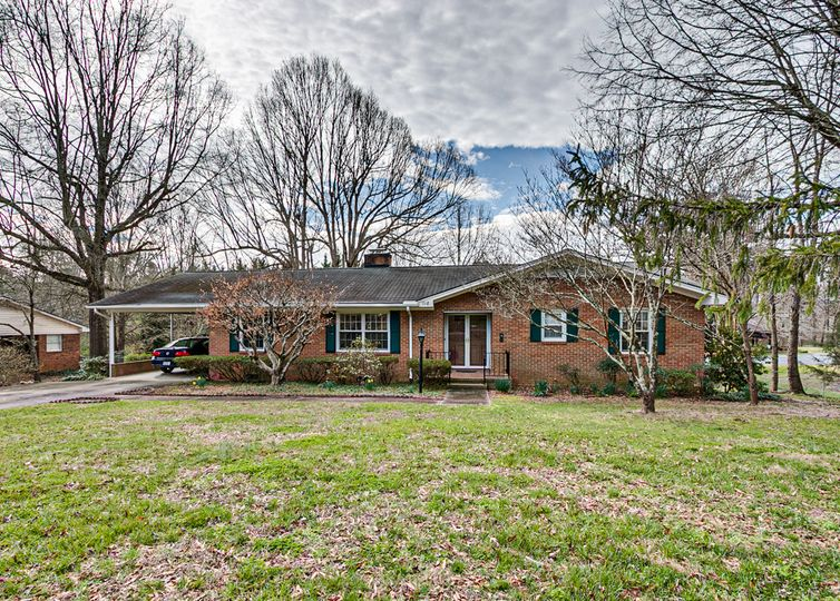 718 Cheddington Drive Asheboro, NC 27203