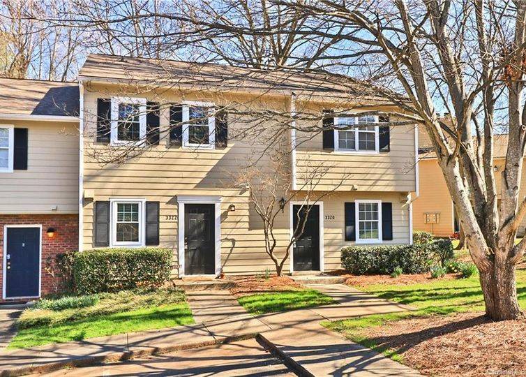 3322 Heathstead Place Charlotte, NC 28210