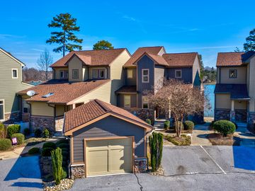 562 Sunset Point Drive West Union, SC 29696 - Image 1