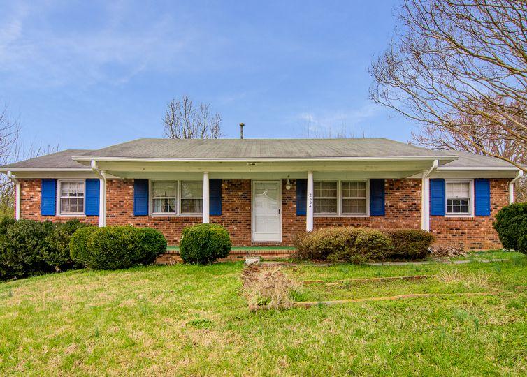 2504 Circle Pine Court Greensboro, NC 27407