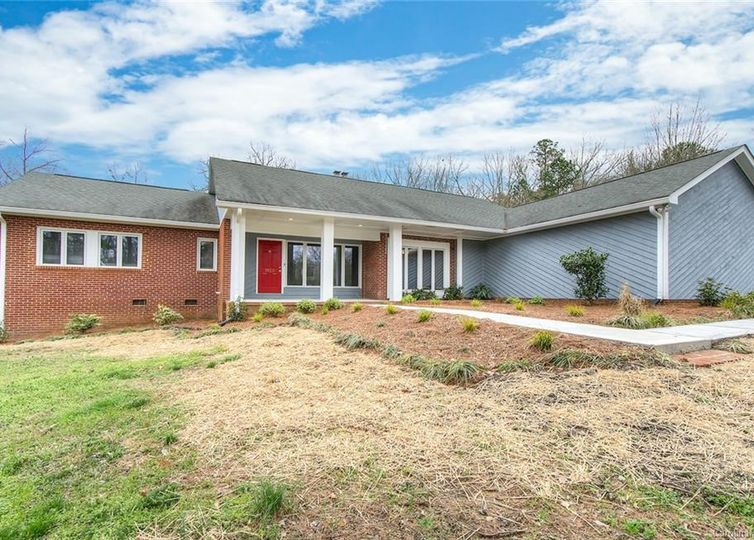 2015 Weddington Road Matthews, NC 28105