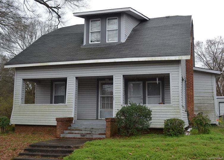 727 Oak Street Mooresville, NC 28115