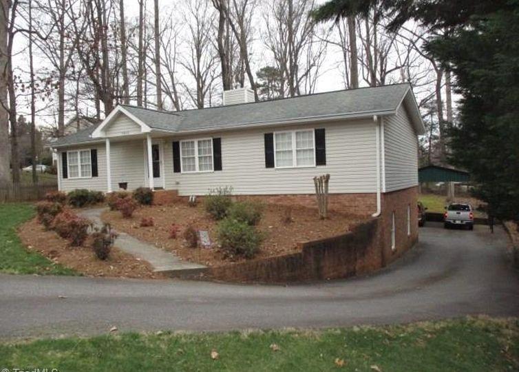 4869 Selwyn Drive Winston Salem, NC 27104