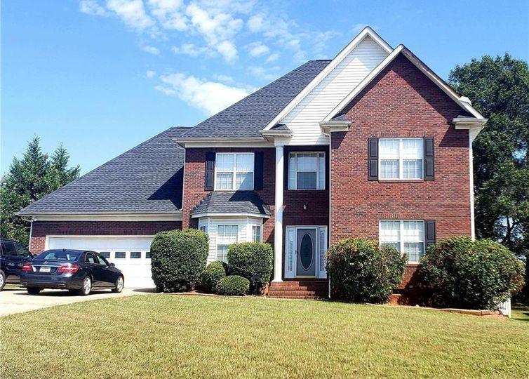 14821 Middlesborough Drive Matthews, NC 28104