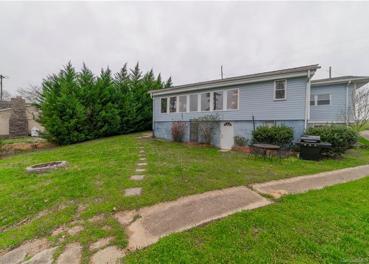 2122 Riverview Extension Lexington, NC 27292