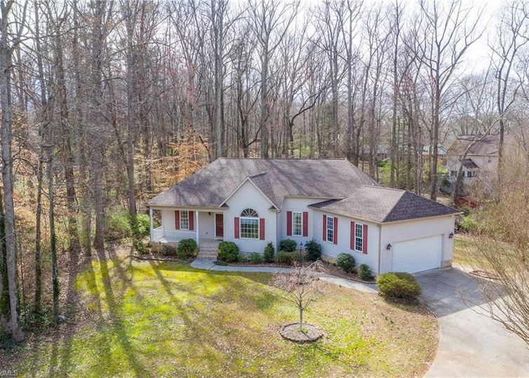 3108 Cromwell Court Clemmons, NC 27012